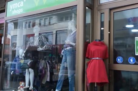 """Dyqani i bamirësisë nga """"YMCA"""" në shërbim të komunitetit"""