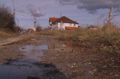 """Banorët e rrugës """"Shpresa Krasniqi"""" të shqetësuar me infrastrukturën"""