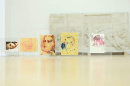 """""""Synime"""", ekspozita që shpalos kontributin e grave në fushën e artit pamor"""
