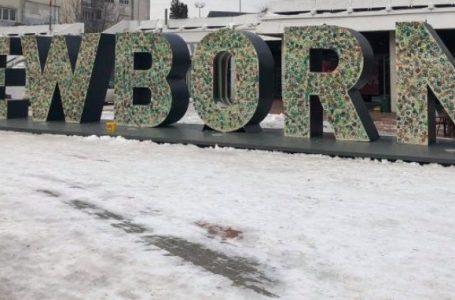 """""""NEW BORN"""" me pamje të re, i dedikohet paqes"""