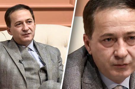 Si e ndihmuan analistin nga Shqipëria, Albin Kurti dhe Ardian Gjini në 1999-ën (VIDEO)