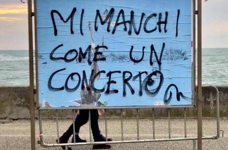 'Më mungon si një koncert', fotoja që u bë virale mes artistëve italianë