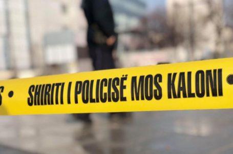 Tre të vdekur, 28-vjeçari humbi kontrollin e automjetit
