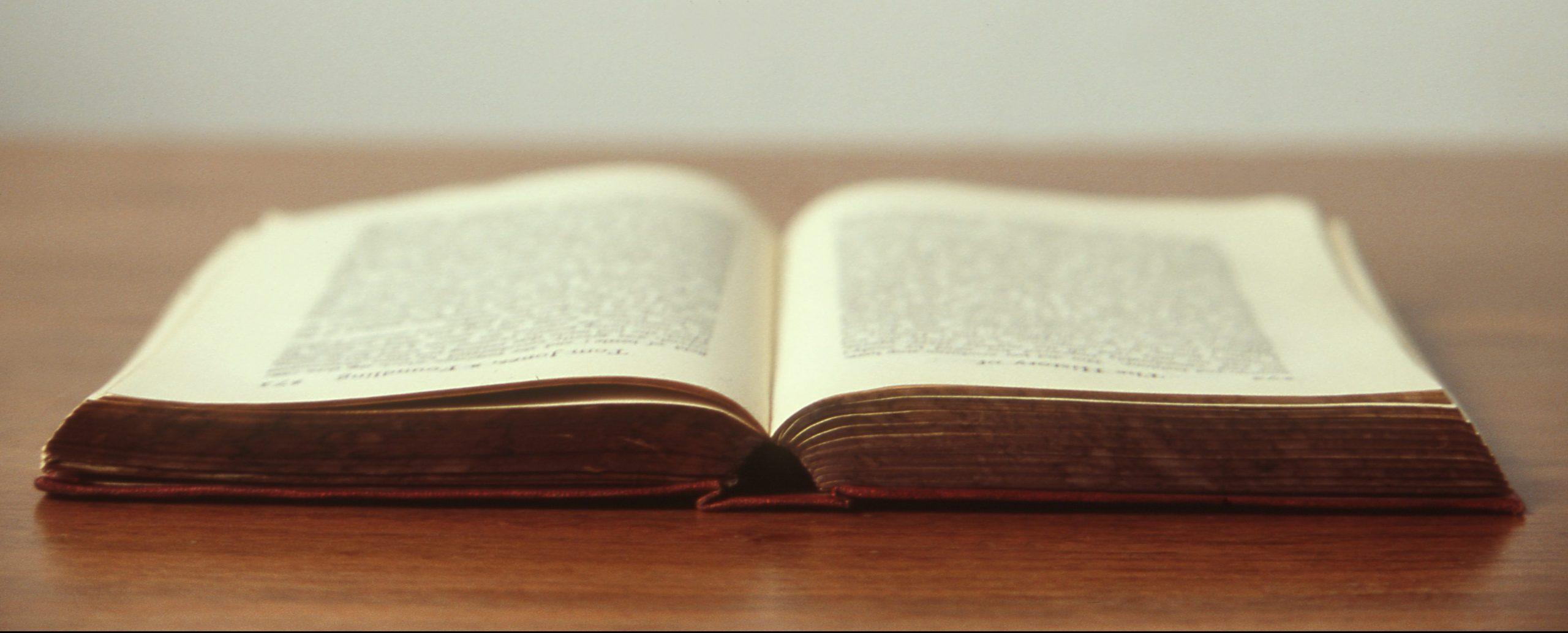 5 libra nga autore gra që të gjithë duhet t'i lexojmë