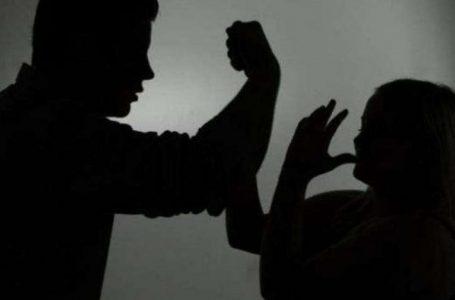 Kërcënohet nga burri i saj, gruaja bashkë me djalin 8-vjeçar dërgohen në qendër strehimi