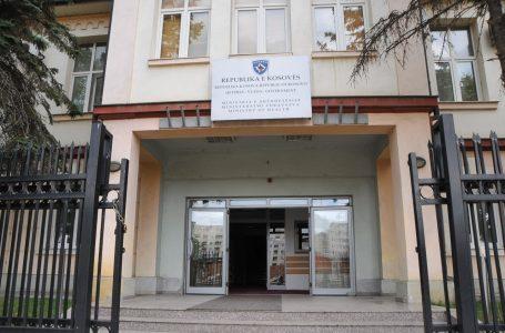 Ministria e Shëndetësisë zvarrit vaksinimin e mjekëve të Kosovës në Kukës