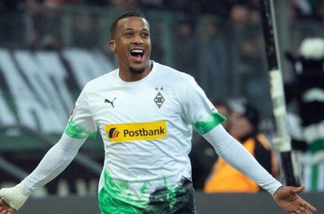 Arsenal dhe Man utd në garë për Sulmuesin e Borussia Moenchegladbach Alassane Plea