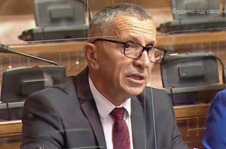 Kamberi në parlamentin serb: Serbia duhet ta ndryshojë Kushtetutën për çështjen e Kosovës