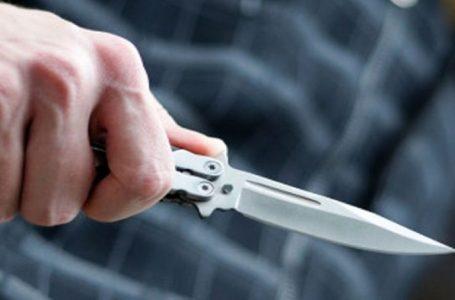 I mituri kanos motrën e tij me thikë në Gjakovë