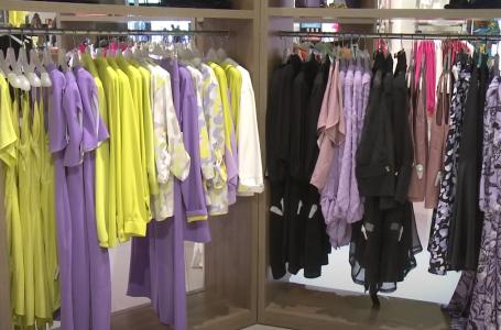 Disa kombinime të veshjeve për moshën e mesme! (video)
