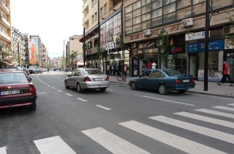"""Bëhet sinjalizimi horizontal i rrugës """"Nënë Tereza"""""""