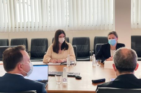 Ministrja Rizvanolli priti drejtorin e Bankës Botërore për Kosovë