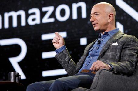 Jeff Bezos do të udhëtojë në hapësirë muajin që vjen