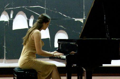 Pianistja Lyra Pylla, mban koncertin e parë recital
