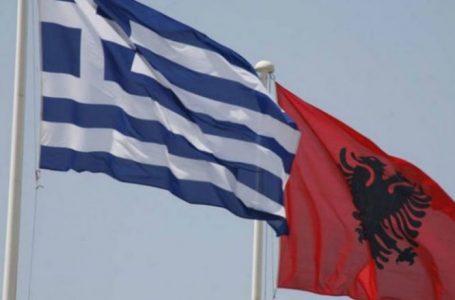 Emigrantët shqiptarë paralajmërojnë protestë në Athinë për hapjen e kufijve
