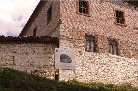 Kulla e Sylejman Vokshit dikur e lënë pas dore më në fund po restaurohet