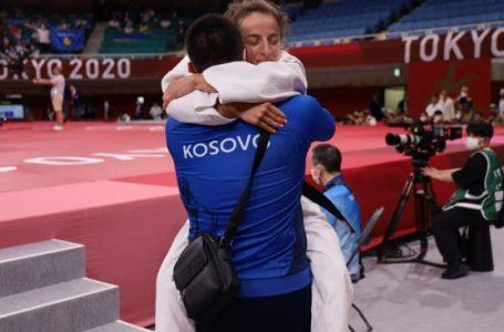 """Distria Krasniqi fiton medaljen e artë olimpike në """"Tokio 2020"""""""