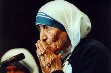 Zbulohet dosja sekrete për Nënë Terezën