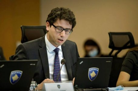 """Murati prezanton: """"Mbështetja për të Punësuarit e Formalizuar të Pakos së Ringjalljes Ekonomike"""""""