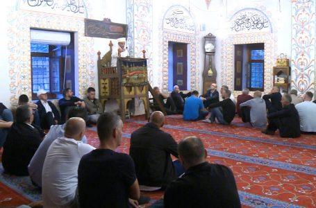 Në faljen e Kurban Bajramit u dhanë mesazhe për solidaritet dhe tolerancë