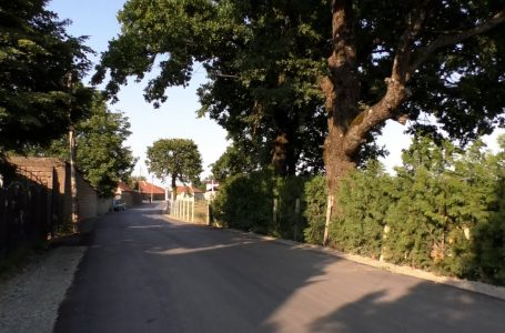 """Rruga """"Gani Sadrija"""" e nisur në vitin 2013 në Babaj të Bokës tashmë është asfaltuar"""