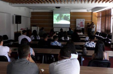 Pasqyrohet jeta dhe përditshmëria e komunitetit egjiptian përmes dy filmave të shkurtër