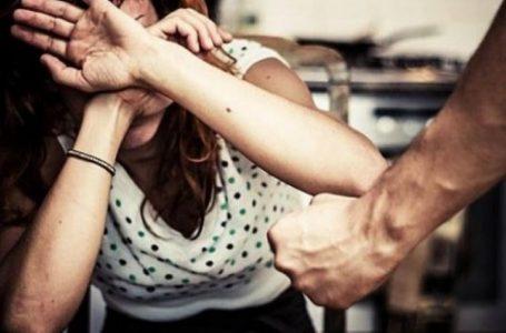 Rrahu të fejuarën për shkaqe xhelozie