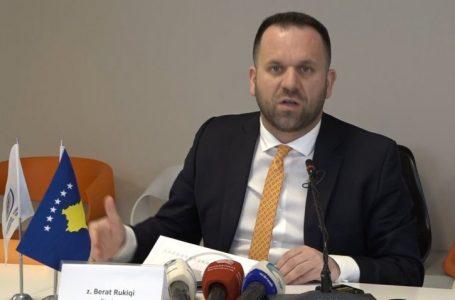 Ekspertët e ekonomisë: S'ka rrezik as përfitim për ekonominë e Kosovës