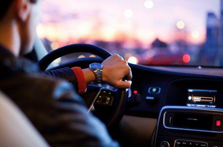 Ky është personi i vetëm në botë që mund të vozisë automjetin pa patentë shoferi