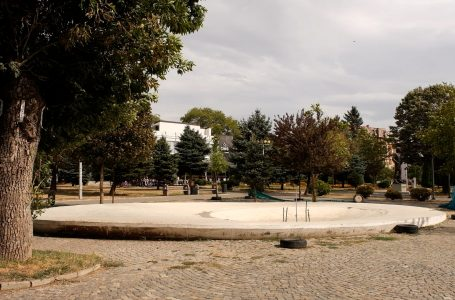 Kastrati: Fontana në Gjakovë funksionalizohet pas dy javëve