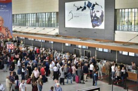 Afër 400 mijë mërgimtarë erdhën në Kosovë gjatë muajit gusht