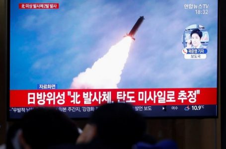 Koreja e Veriut hedh dy raketa balistike