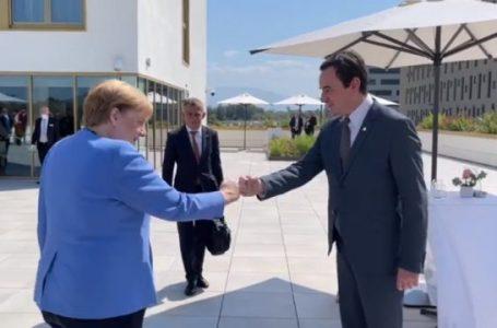 Kryeministri Kurti takohet me Angela Merkel në Tiranë