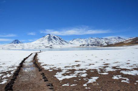 Bie borë në vendin më të thatë të planetit