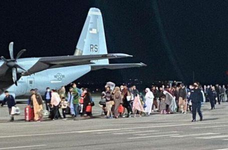 117 refugjatë afganë janë larguar nga Kosova