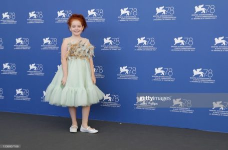 Kush është aktorja e vogël kosovare që po e shijon magjinë e tepihut të kuq në Venecia?