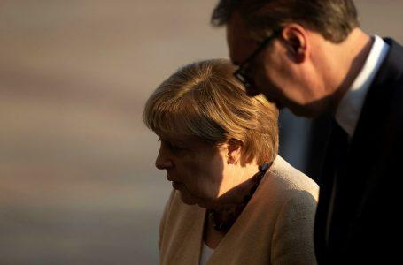 Vuçiq pas takimit me Merkel: S'ka hyrje të Serbisë në BE pa zgjidhjen e çështjes së Kosovës