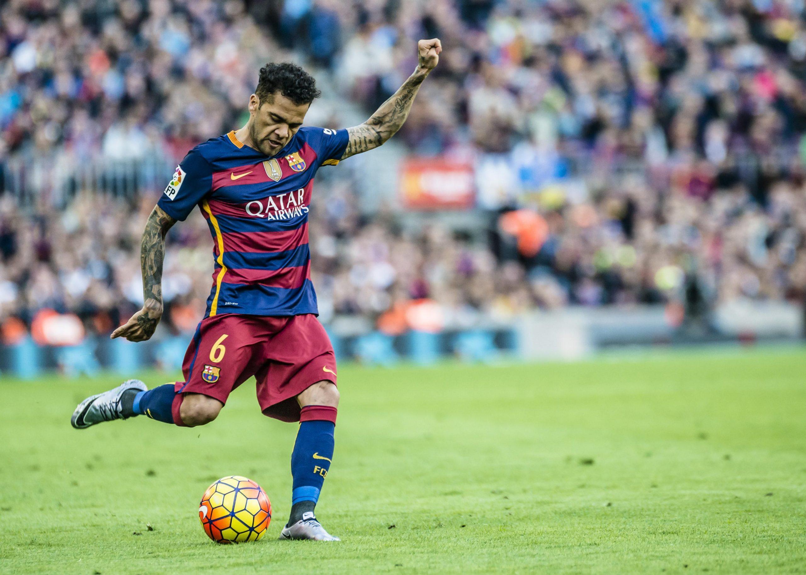 Barcelona po e mendon rikthimin e Dani Alves