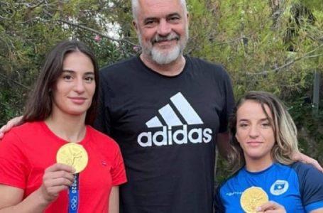 Distria Krasniqi e Nora Gjakova do t'u bashkohen Forcave të Armatosura Shqiptare
