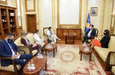 Konjufca zhvillon takim me zyrtaret e larta të Kombeve të Bashkuara