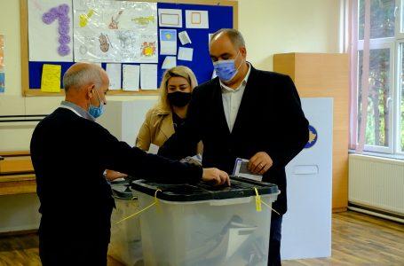 Voton kandidati per kryetar nga PSHDK, Ferdinand Kolaj