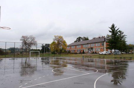 """Shkolla fillore """"Gjergj Fishta"""" dikur kishte 460 nxënës ndërsa sot ka 180 nxënës"""