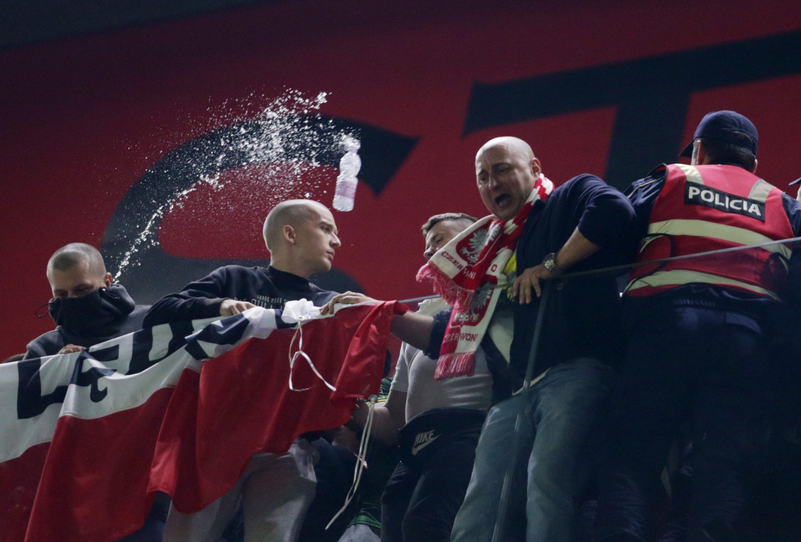 """Incidenti në """"Air Albania"""", vjen reagimi i ashpër i FIFA-s"""