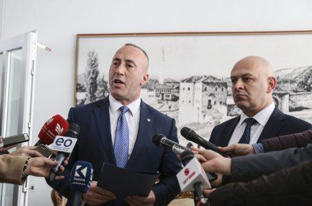 Haradinaj në përkrahje të kandidatit për kryetar të komunës së Gjakovës, Ardian Gjini- KRONIKË ZGJEDHORE
