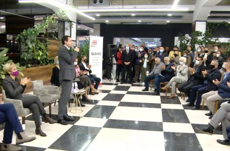 Kurti: Në Gjakovë duhet të fitojmë pa balotazh- KRONIKË ZGJEDHORE
