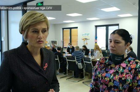 Kusari – Lila viziton Handikosin, premton përkrahje dhe gjithëpërfshirje në arsim- KRONIKË ZGJEDHORE